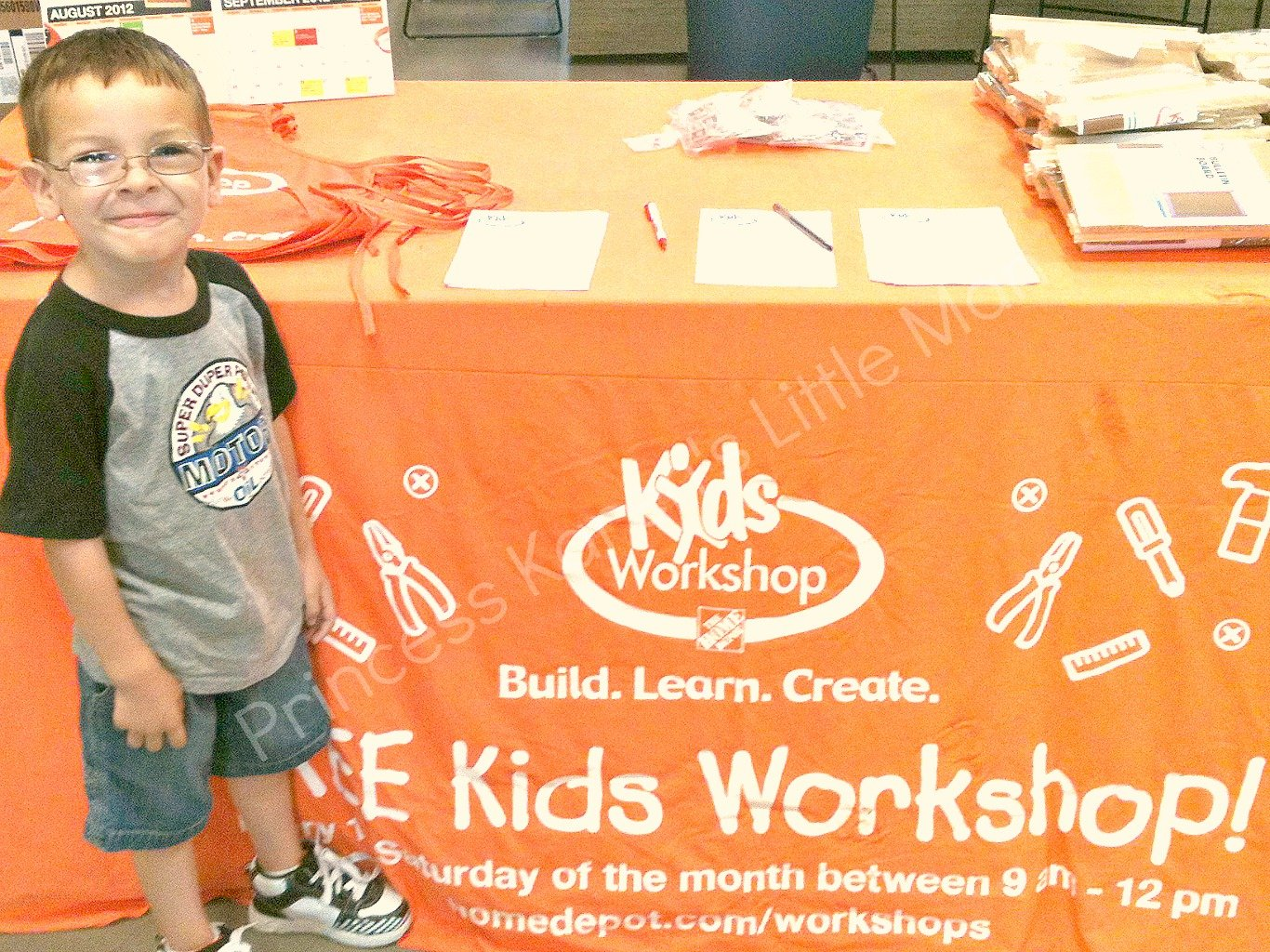 Home depot free kid 39 s workshop this saturday for Kids crafts at home depot