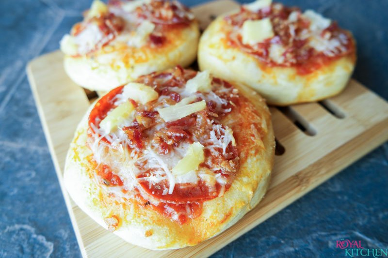 Easy Semi-Homemade Mini Pizza's with Canned Biscuits