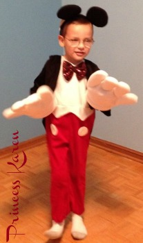 mickey2  sc 1 st  ConsumerQueen.com & Spirit Halloween Mickey Mouse Costume Review - ConsumerQueen.com