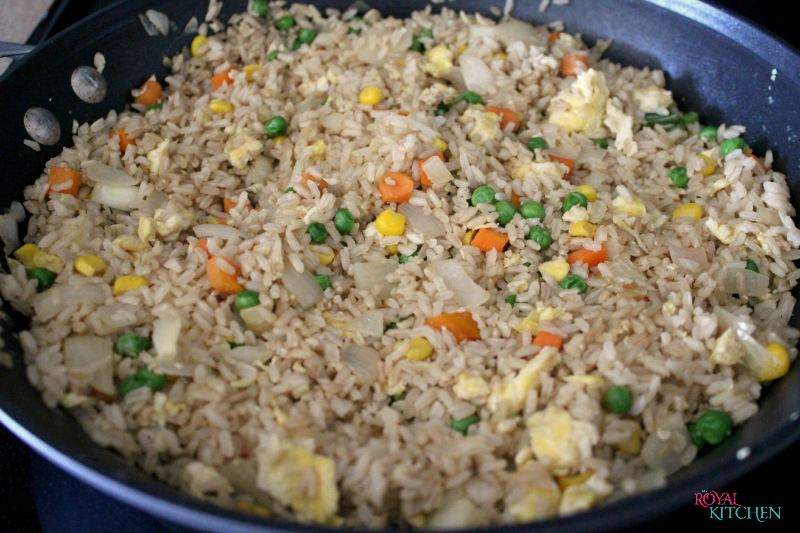 Easy Weeknight Fried Rice skillet-chicken fried rice recipe