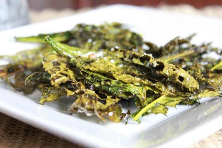 Organic Garlic Parmesan Kale Chips plated