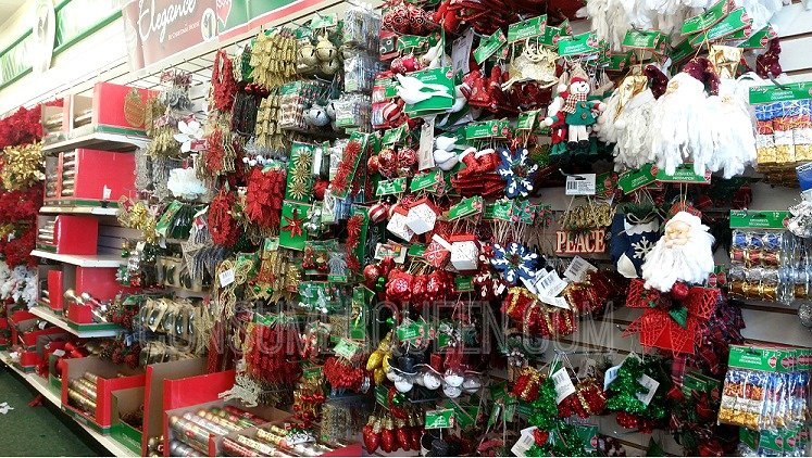 Top 5 christmas items you can score at dollar tree for Christmas tree items list