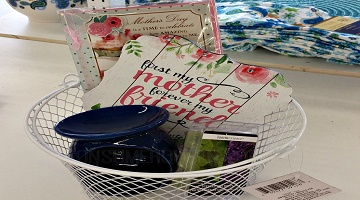 Mother's Day Gift Basket Under $5 at Dollar Tree!