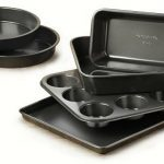 Calphalon Nonstick Bakeware 6-Piece Set $15.99 on Amazon!