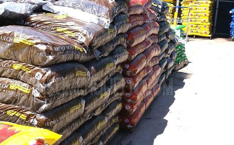 Premium Mulch at Lowes