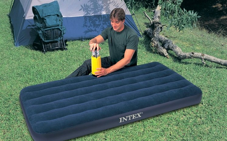 Twin Size Inflatable Airbed Mattress 7 99 Reg 15 97