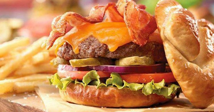 Ruby Tuesday burger