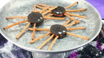 Easy Oreo Spider Cookies