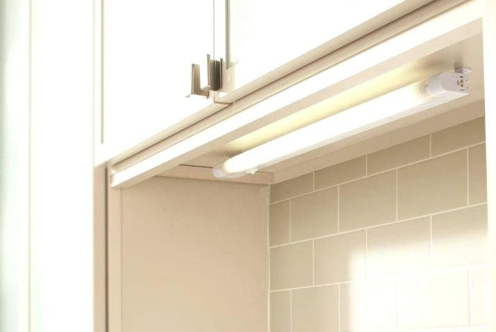 Under Cabinet Light Fixture (GE 18 Inch Fluorescent) $8.55 At Amazon