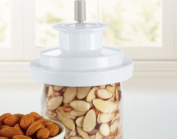 FoodSaver Wide-Mouth Jar Sealer $6.63 At Amazon