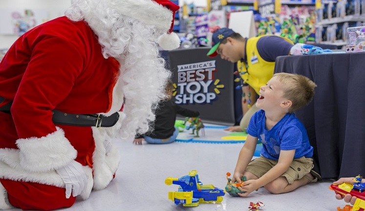 FREE Picture With Santa + Wish List Today Only at Walmart