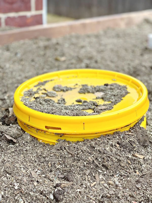How to Make a Composting Worm Bin