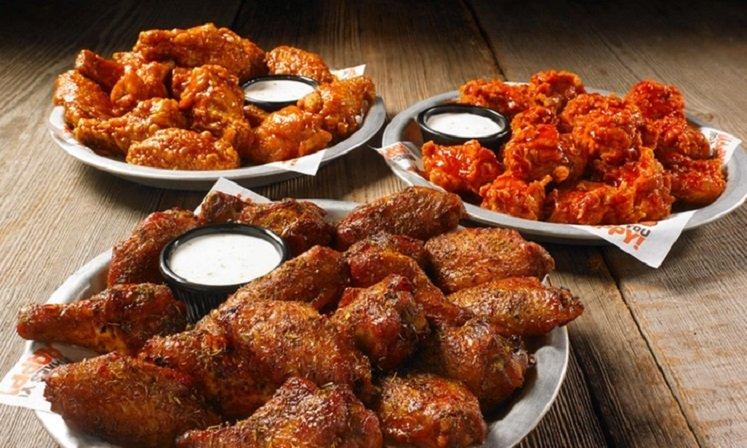 FREE Hooters Groupon Offer – $15 off $30 Purchase!
