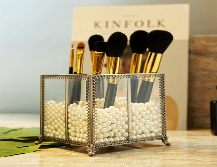 Makeup Brush Organizer with Pearls by PuTwo Just $23.39 on Amazon!