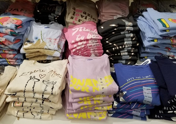 Old Navy Tees Only $4 + $10 Off $50 In-Store Coupon!