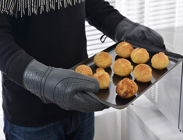 Silicone Oven Mitts by Perber Just $14.99 on Amazon!