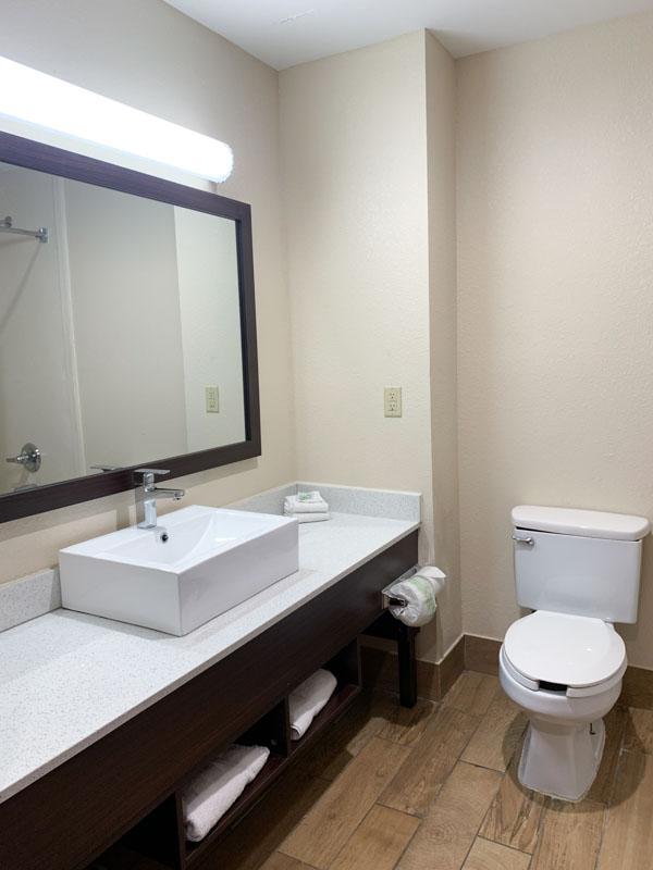 Red Roof Inn Bathroom