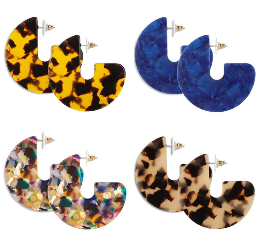 Acrylic Earring Set, 4 Patterned Pairs 50% off – just $4.49 on Amazon!