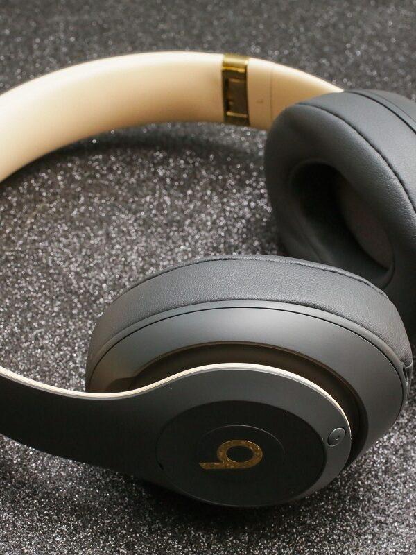 beats by dre studio3 wireless headphones