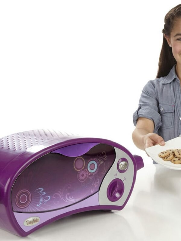 Easy-Bake Ultimate Oven With FREE Mixes $24.97 at Walmart (Reg. $59!)