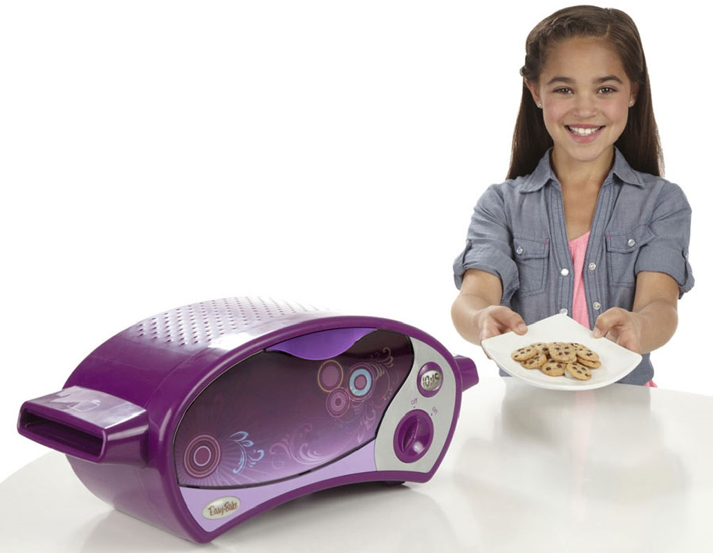 Easy-Bake Ultimate Oven + Free Mixes + Refill Pack ONLY $36.94 – Ships FREE!