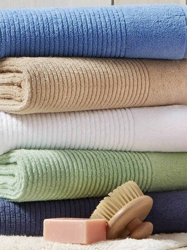 Martha Stewart Quick Dry Bath Towels $4.80 – Black Friday Price (Reg. $16)