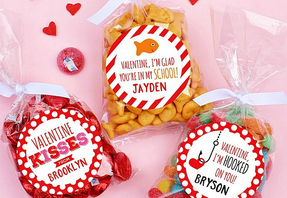 24 count personalized valentine stickers & bags