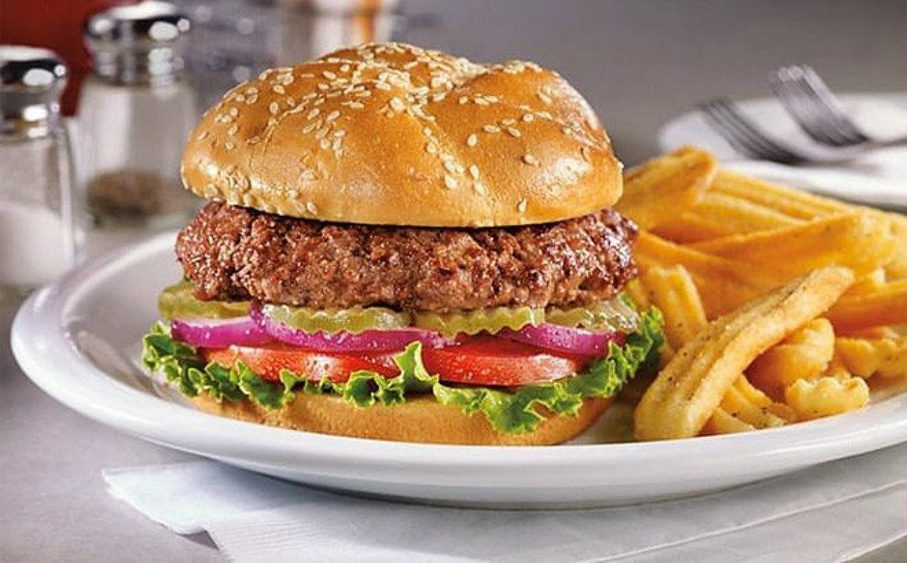 FREE Beyond Burger With Drink Purchase at Denny's – Today Only! *EXPIRED*