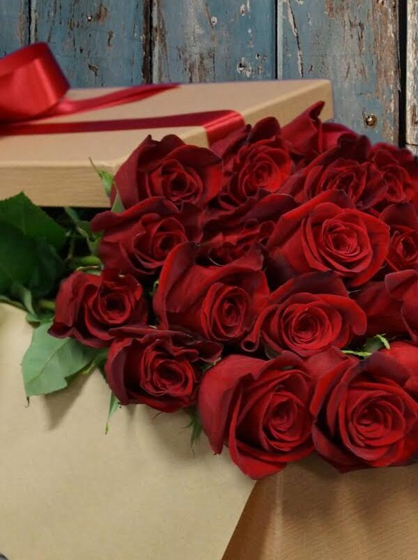 Two Dozen Roses ONLY $19.99 For Prime Members at Whole Foods!