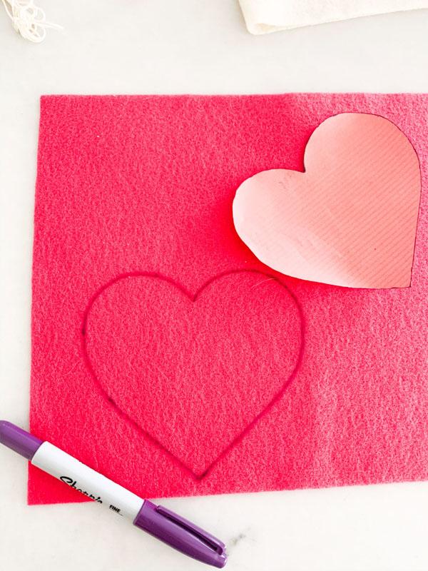 DIY Valentines Felt Hearts  1