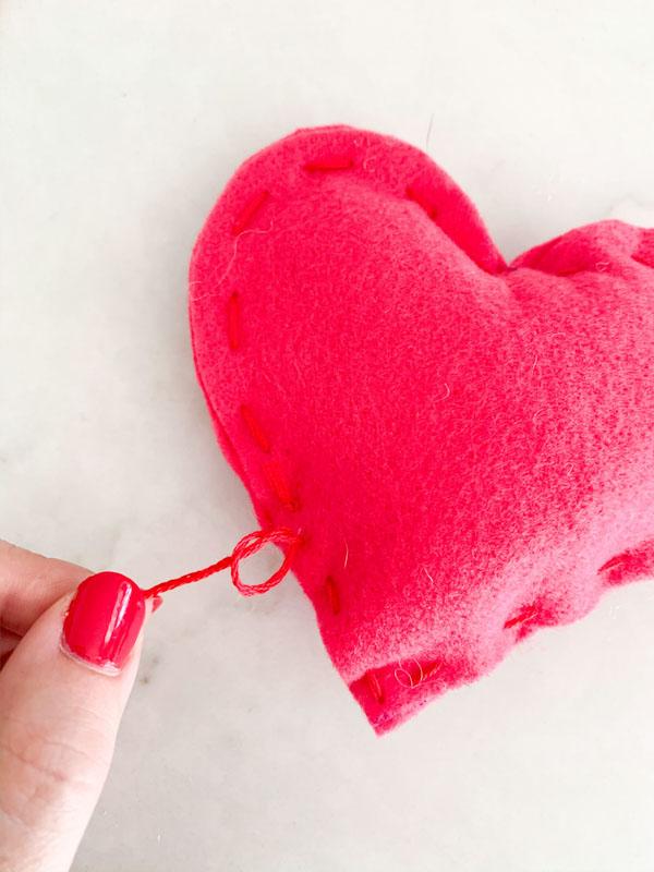 DIY Valentines Felt Hearts  11