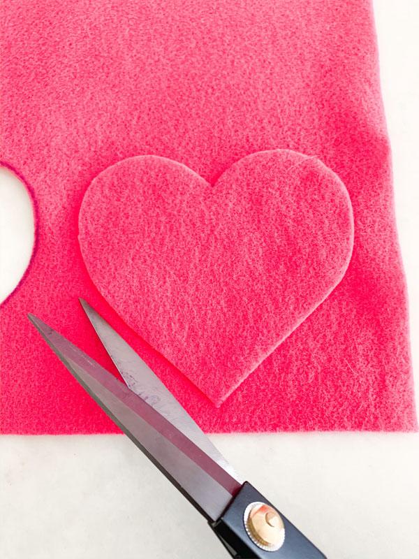 DIY Valentines Felt Hearts  2