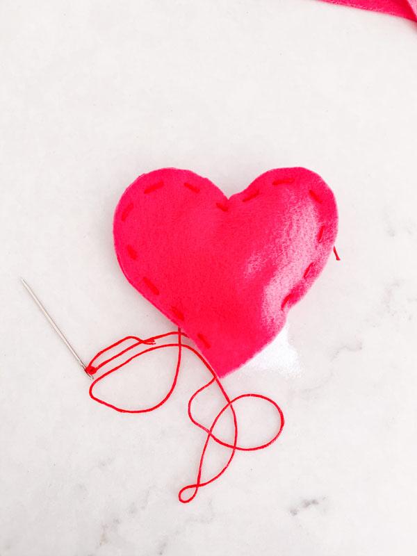 DIY Valentines Felt Hearts  9