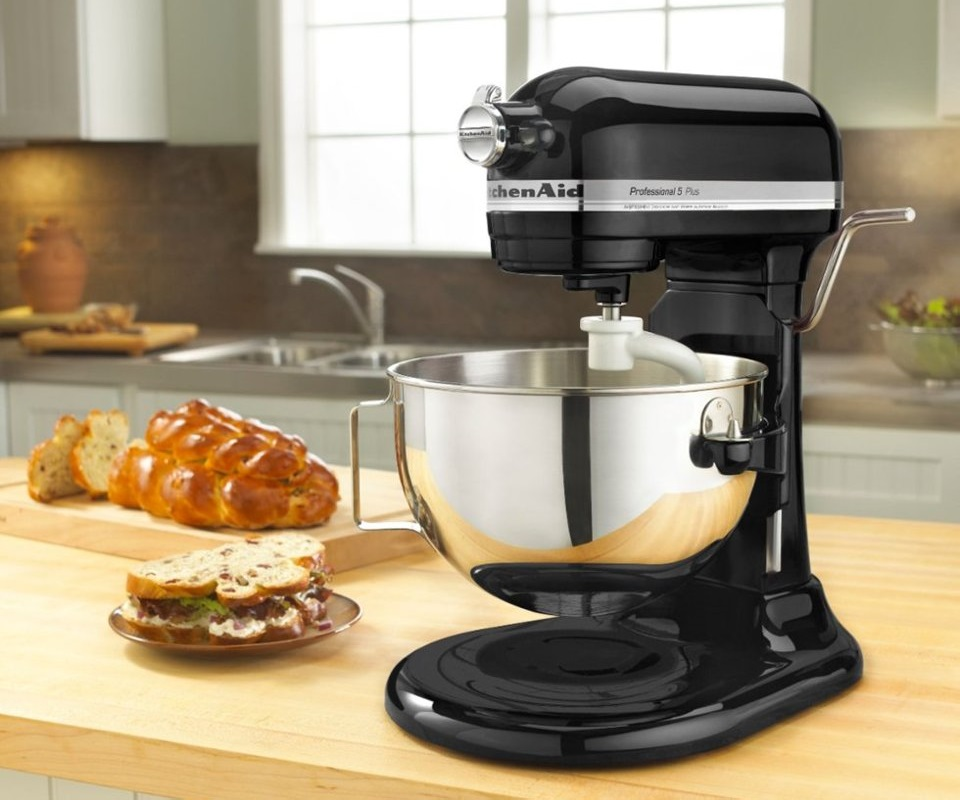 KitchenAid Stand Mixer JUST $199 (Reg. $500) at Best Buy – Today Only!