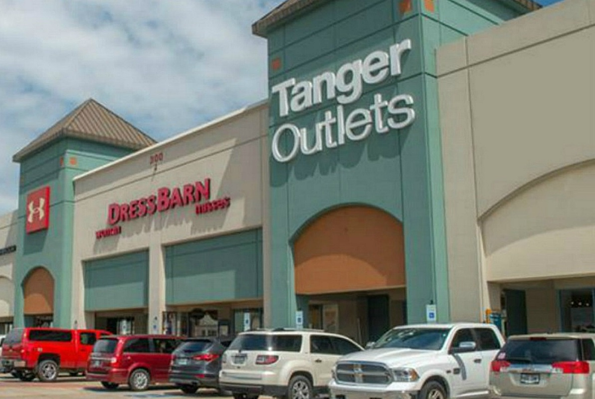 Tanger Outlet Leap Year Giveaway – First 20 People Get Gift Card! *EXPIRED*