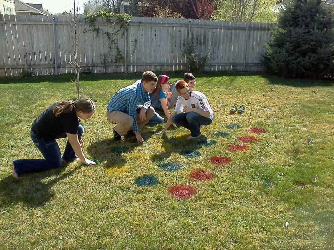 Lawn Twister! Fun Party Game Idea!