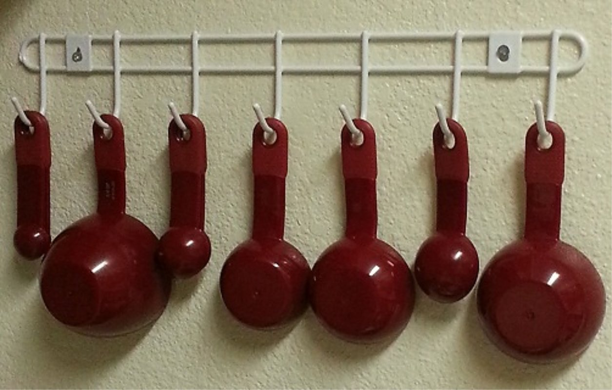 Dollar Store Decorating – Organize Your Measuring Cups & Spoons