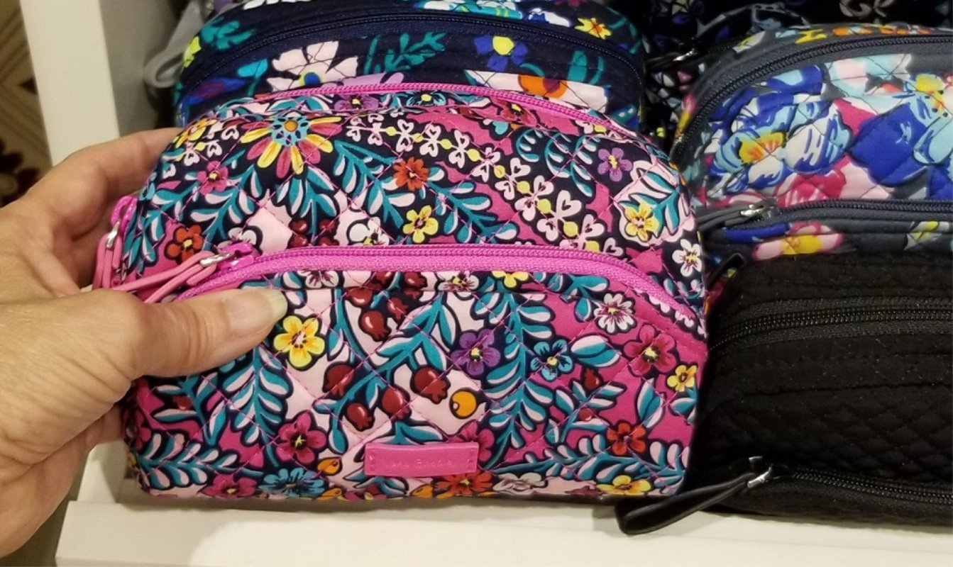 Vera Bradley Wallets, Wristlets and More 25% Off w/FREE Shipping (Today Only) *EXPIRED*