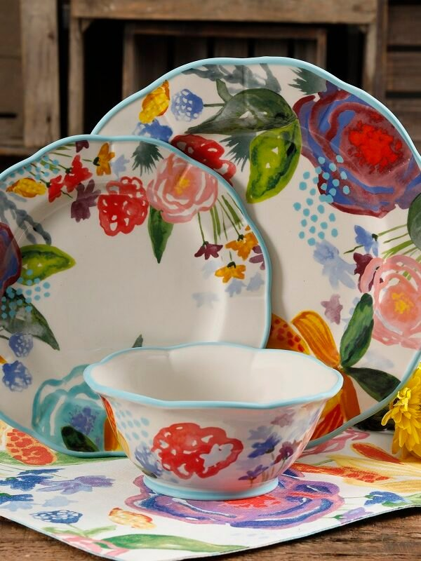 Pioneer Woman Celia Dinnerware Set