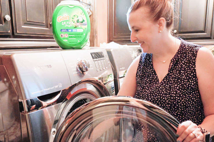 Melissa with Gain Ultra Flings Laundry Room