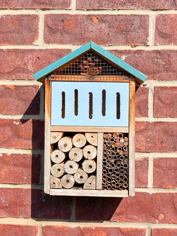 bee house -spring decor ideas