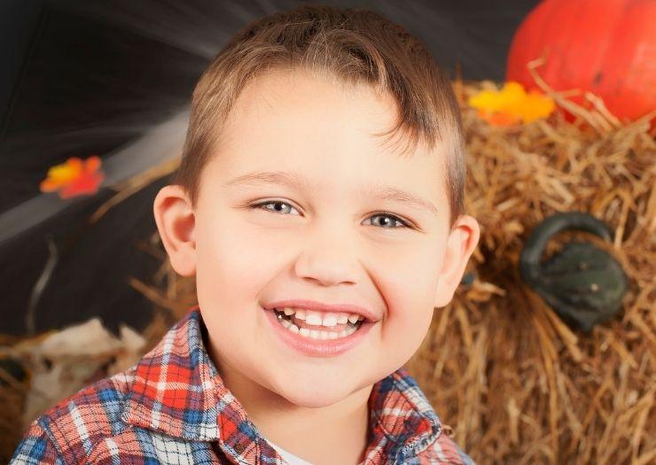 halloween jokes for kids boy smiling