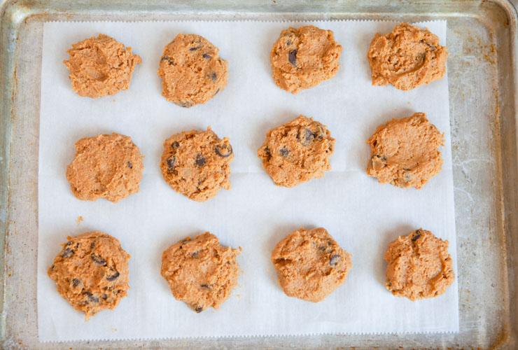 Pumpkin chocolate chip cookies dough