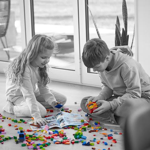 LEGO® Life Magazine - Kids playing legos