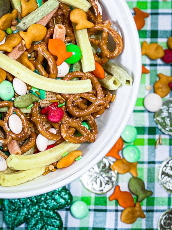Pot of Gold Snack Mix