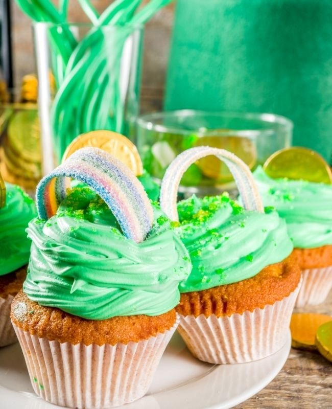 Easy St Patrick's Day Cupcakes